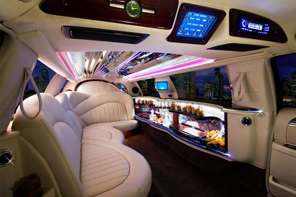 balade en limousine evjf paris
